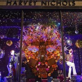 Harvey nichols christmas window3