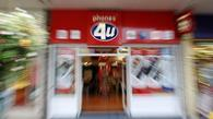 Phones 4u is poised to plunge into administration after EE decided to pull the plug on its contract with the mobile phone retailer.