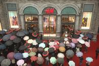 H&M\'s second-quarter profits rose