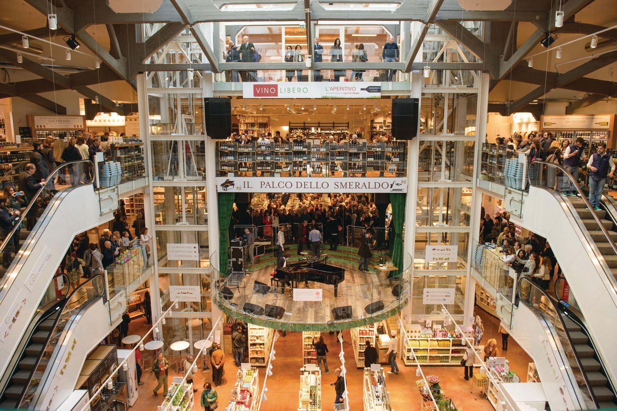 Online fashion retail market 79