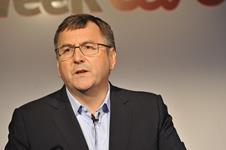 Tesco chief Philip Clarke says Tesco will emerge a truly multichannel leader