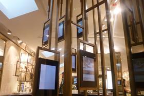 Burberry Beauty Box digital screens