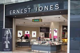 Ernest Jones owner Signet has posted a 4.1% increase in like-for-like sales within its UK jewellery division during the third quarter.