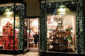 Harrods Christmas shop 3
