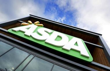 """Asda has offered all of its 135,000 store staff a pay increase to £8.50 per hour as it ushers in more """"flexible"""" contracts."""