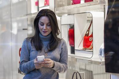 Hammerson\'s Plus app interacts with beacons